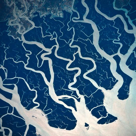 a-satellite-view-of-rivers-and-tributaries-stockbyte